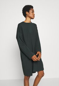 Weekday - ELKE LONG SLEEVE DRESS - Jersey dress - bottle green - 3