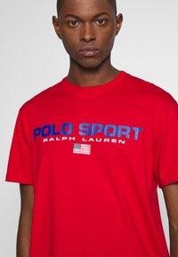 Polo Ralph Lauren - POLO SPORT - T-shirt imprimé - red - 5