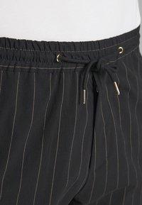 Paul Smith - GENTS DRAWSTRING TROUSER - Pantaloni - black - 4