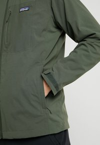 Patagonia - QUANDARY - Giacca outdoor - alder green - 4