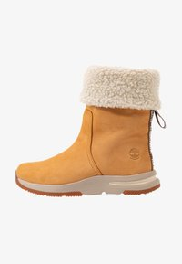 Timberland - MABEL TOWN WP PULL ON - Śniegowce - wheat - 1