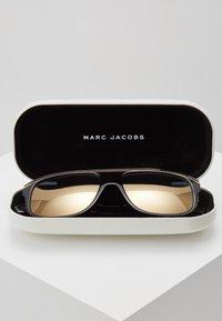 Marc Jacobs - Sunglasses - black - 2