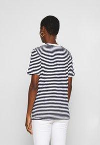Selected Femme - SLFMY PERFECT TEE BOX CUT - Print T-shirt - maritime blue/snow white - 2