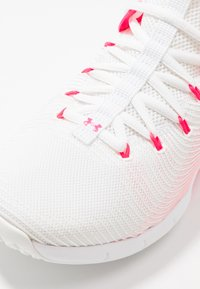 Under Armour - HOVR RISE - Neutral running shoes - white/black - 5