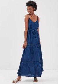 BONOBO Jeans - MIT RÜSCHEN - Maxi dress - bleu marine - 0