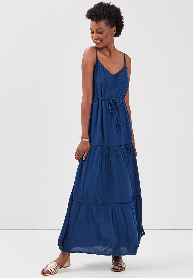 BONOBO Jeans - MIT RÜSCHEN - Maxi dress - bleu marine