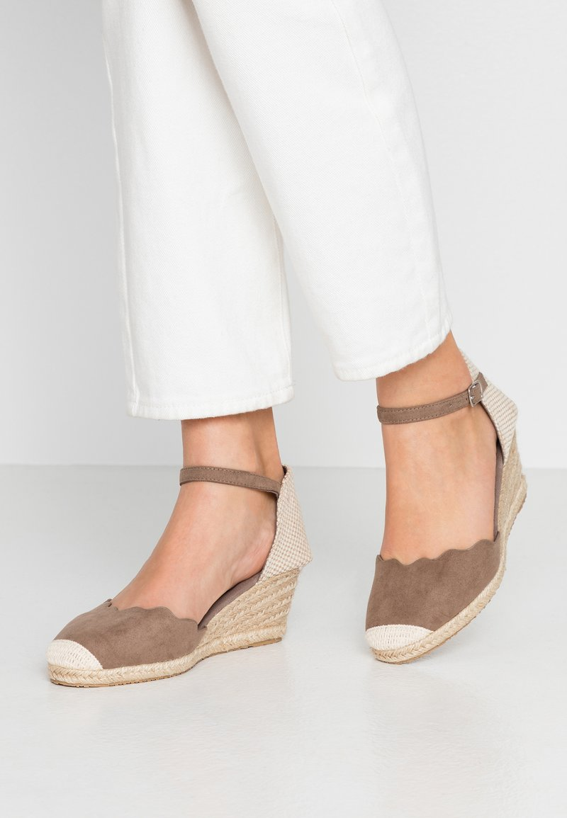 Anna Field Wide Fit - Wedges - camel