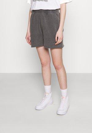JOGGER - Shorts - charcoal
