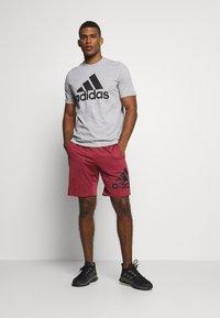 adidas Performance - ESSENTIALS SPORTS SHORT SLEEVE TEE - Print T-shirt - medium grey heather - 1