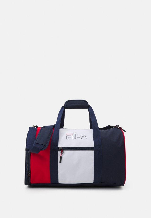 COLORBLOCK GYMBAG UNISEX - Sportovní taška - black iris/true red/bright white