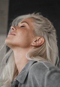 No More - CHAMPAGNE EAR CUFF - Earrings - silver - 1