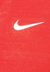 Nike Performance - MILER - Funktionströja - university red/silver - 6