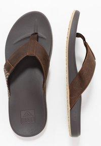 Reef - CUSHION BOUNCE PHANTOM - Sandály s odděleným palcem - brown/tan - 1