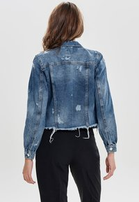 ONLY - DESTROYED - Denim jacket - medium blue denim - 2