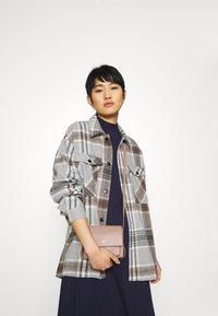 Zign - Short sleeves flared basic midi dress - Jersey dress - dark blue - 3