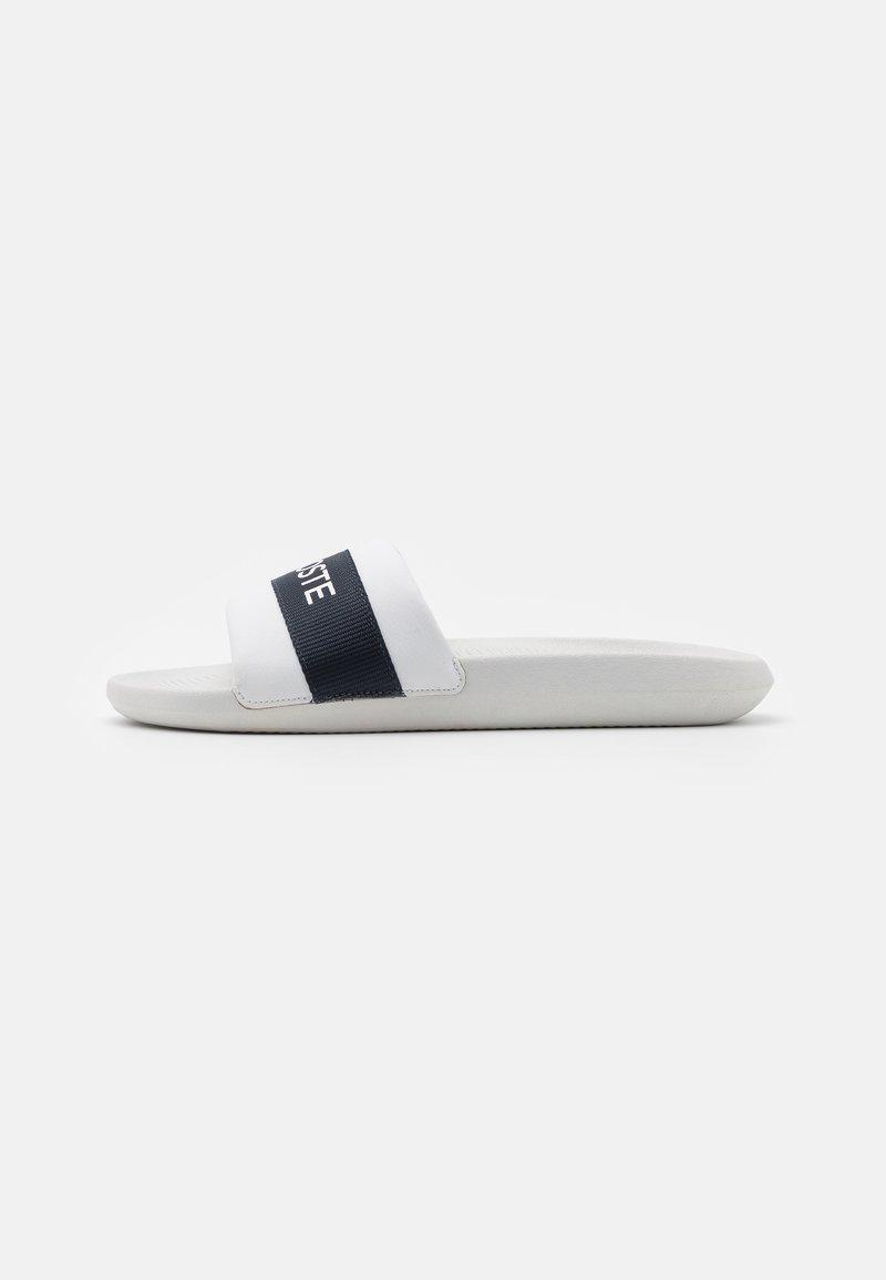 Lacoste - CROCO SLIDE - Mules - white/navy