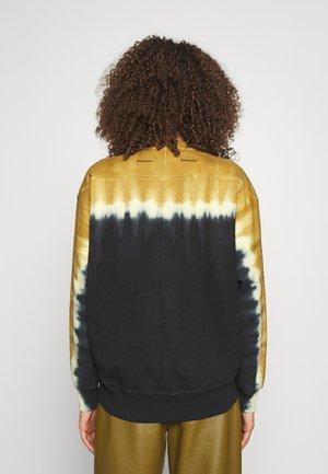 TIE DYE - Sweater - olive/yellow/black