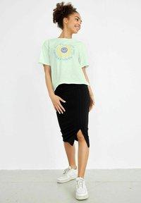 LMTD - T-shirt print - ambrosia - 0