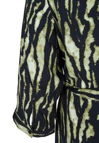 Zizzi - WITH WAIST TIE - Button-down blouse - green - 6
