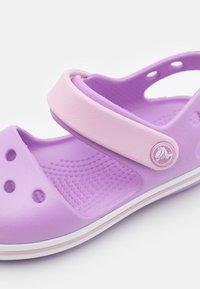 Crocs - CROCBAND KIDS - Sandals - orchid - 5