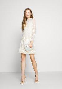 Needle & Thread - HONESTY LONG SLEEVE DRESS EXCLUSIVE - Koktejlové šaty/ šaty na párty - meadow yellow - 1