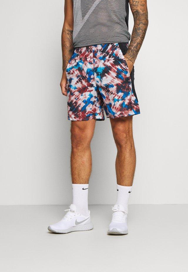 LAUNCH PRINT SHORT - Sports shorts - cinna red