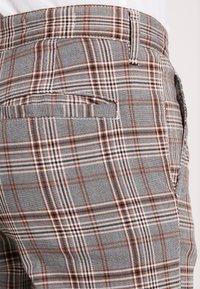 Cotton On - OXFORD - Pantaloni - grey prince - 5