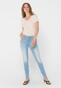 ONLY Tall - ONLKENDELL LIFE - Skinny džíny - light blue denim - 1