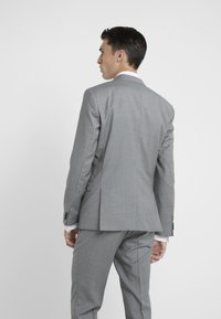 HUGO - ARTI HESTEN - Oblek - open grey - 3
