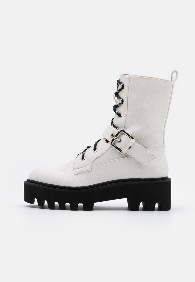 BASIC LACE UP COMBAT BOOTS - Cowboy/biker ankle boot - offwhite