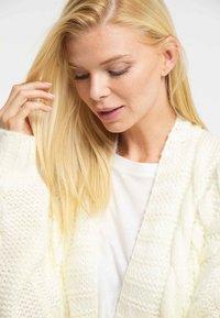 usha - Cardigan - white - 3