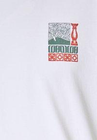 WAWWA - UNISEX CORANZULI - T-shirt z nadrukiem - white - 2