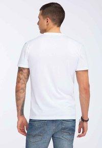 Oldskull - Print T-shirt - white - 2
