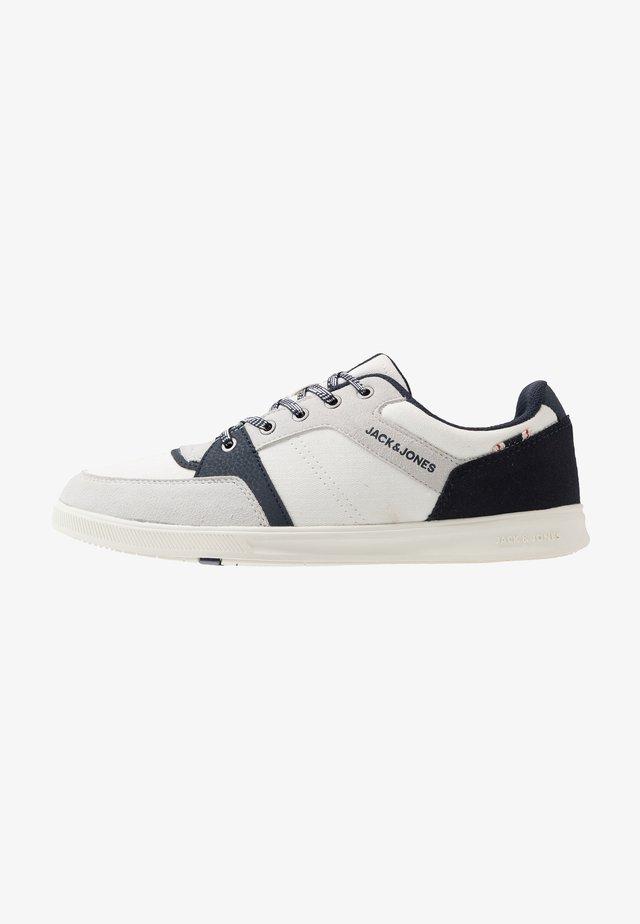 JFWNEWINGTON HERRINGBONE - Sneakers laag - french