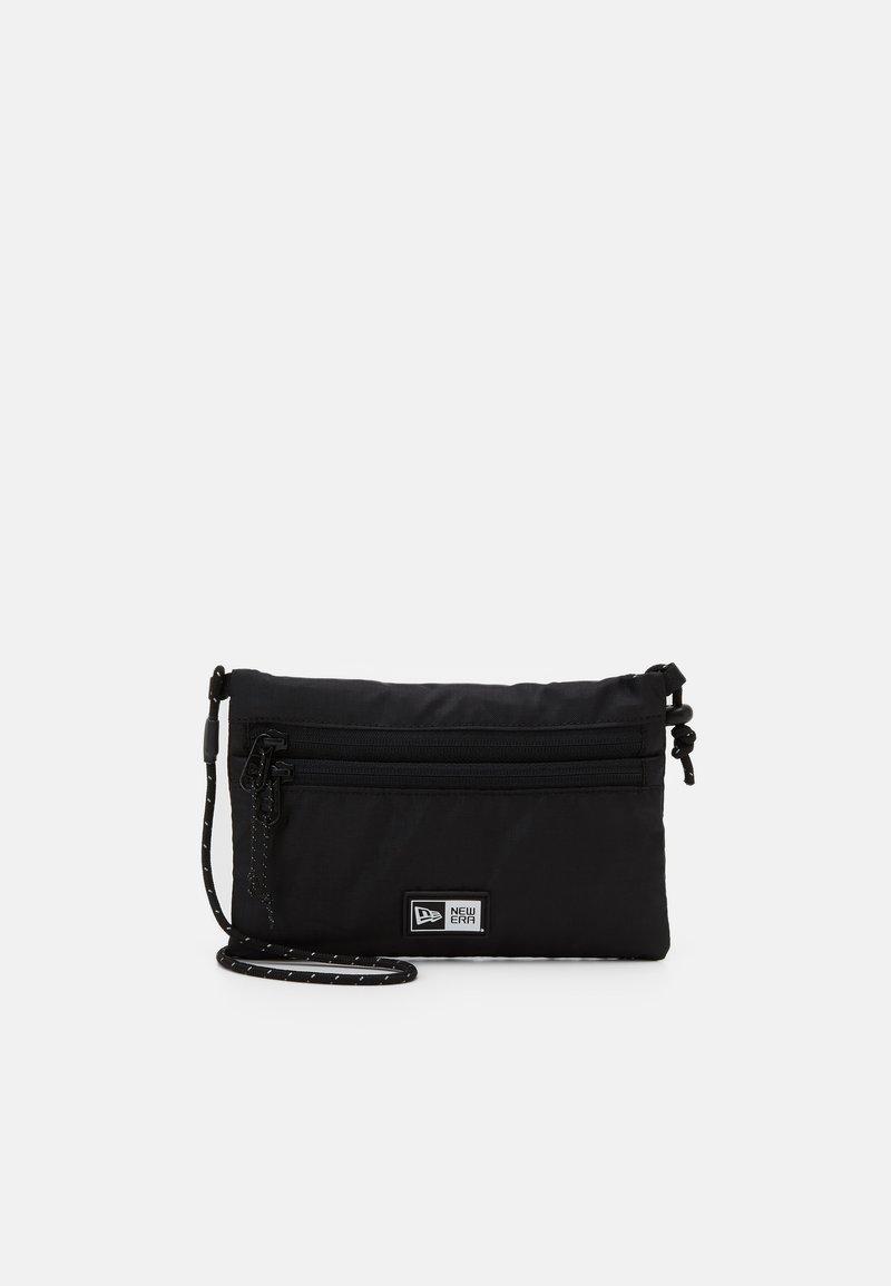 New Era - SACOCHE MINI SIDE BAG - Across body bag - black