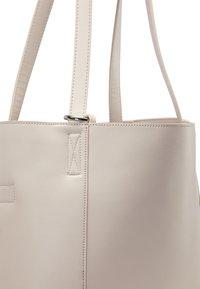 usha - TOTE BAG - Tote bag - hellgrau - 5