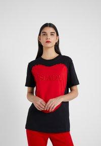 Escada Sport - EHERZ TEE - T-shirt con stampa - black - 3