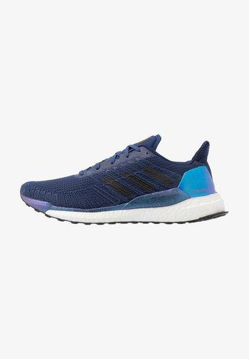 SOLAR BOOST 19 - Neutral running shoes - tech indigo/dash grey/solar red