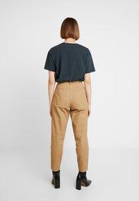 Neuw - DEEDEE PANT - Trousers - camel - 2