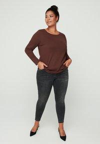 Zizzi - Long sleeved top - brown - 0