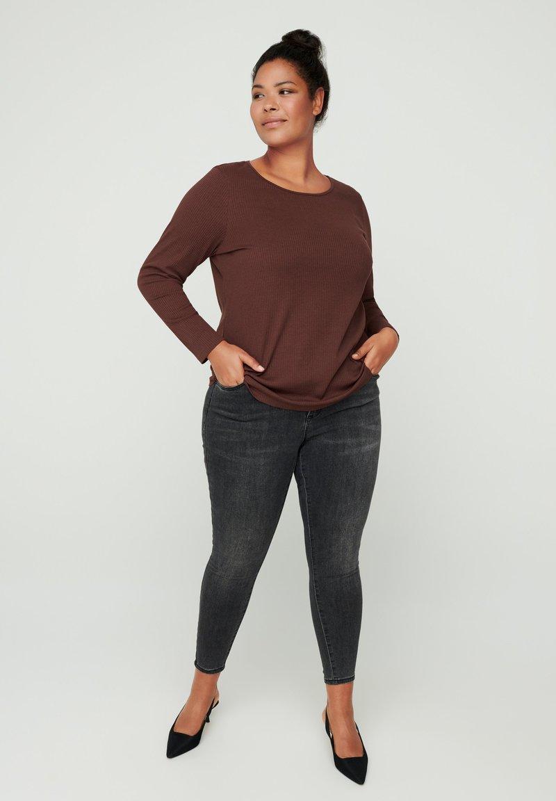 Zizzi - Long sleeved top - brown