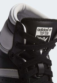 adidas Originals - TOP TEN SPORTS STYLE MID SHOES - High-top trainers - black - 11