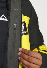 Brunotti - ARACIN MENS SNOWJACKET - Snowboardová bunda - pine grey - 6