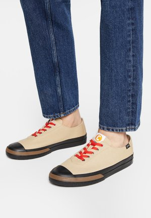 CAMALEON - Sneakers laag - medium beige