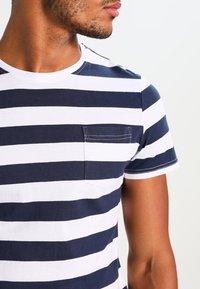 YOURTURN - Print T-shirt - dark blue/white - 3