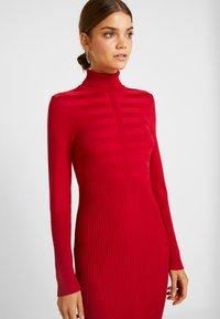 Morgan - RMENTO - Robe pull - tango red - 4