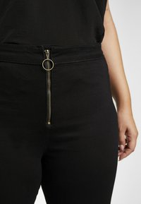 Missguided Plus - RING ZIP OUTLAW - Jegging - black - 4