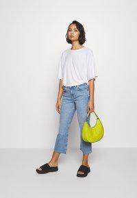 Even&Odd Petite - Basic T-shirt - white - 1