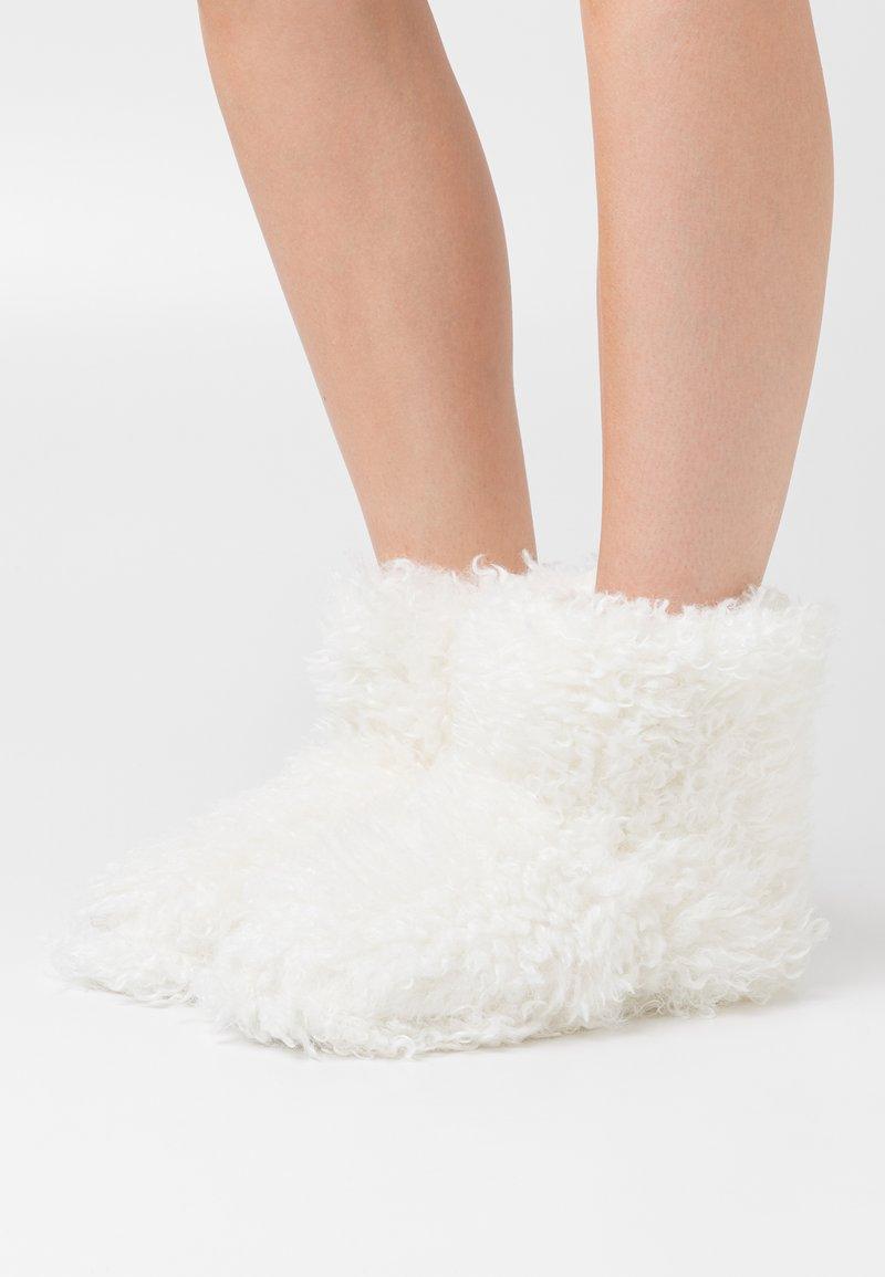 South Beach - Slippers - white