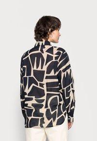 Opus - FUMINE - Button-down blouse - oak tree - 2